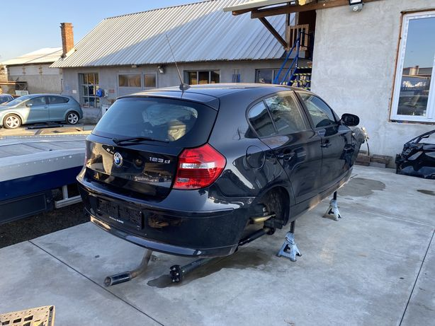 Bara spate completa cu senzori BMW seria 1 e87 LCI 2011 neagra