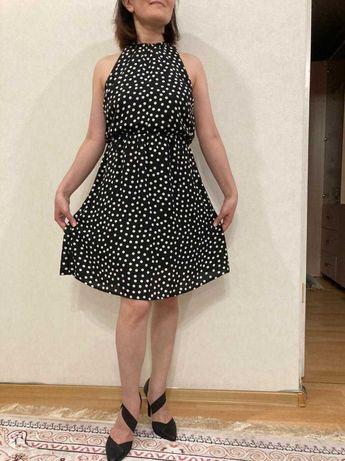 Красивые платья 42-44рр