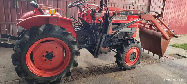 Tractor kubota L2201 Dt ,4x4 cu încărcător frontal
