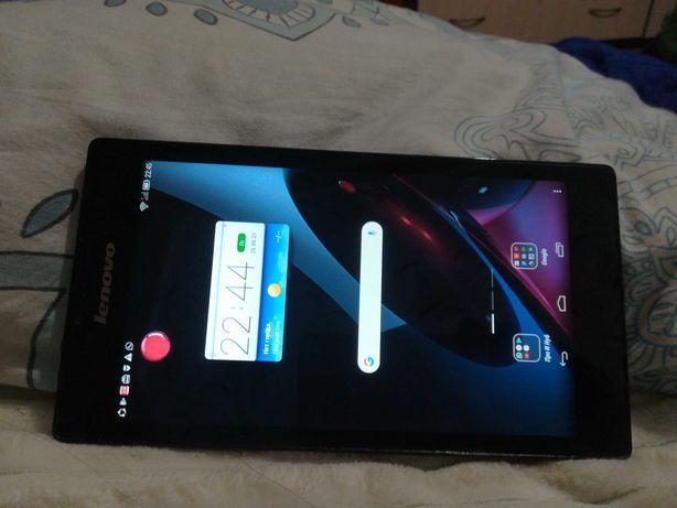 Планшет Lenovo и телефон HUAWEI P8 lite