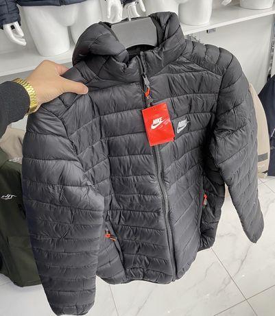 Nike Новая мужская куртка ветровка плащ на осень теплая Алматы