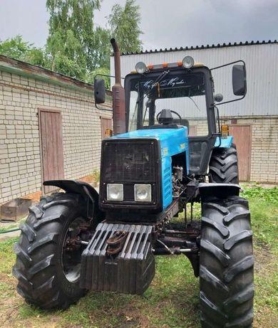 Продам трактор мтз 1221 в хорошем состоянии
