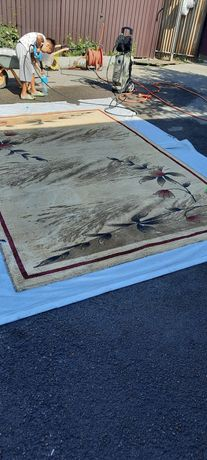 Продам ковёр в хорошем состоянии.