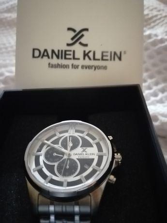 Продаются наручные часы