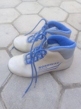 ботинки для беговых лыж