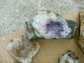 Аметисти кристали калцит самородно олово и много други