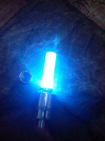 Продавам индикаторни и светещи капачки за вентили за кола автомобил