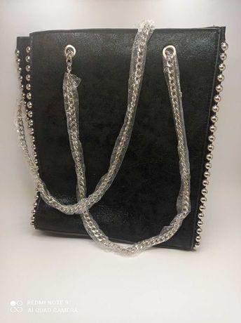 Дамска черна чанта от велур