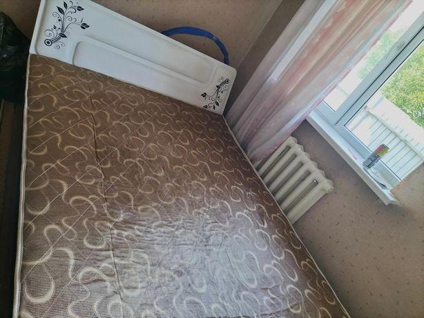 Двухместный кровать