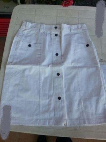 НОВИ къси поли - бели и сини и ризи - охра, бели и лилави
