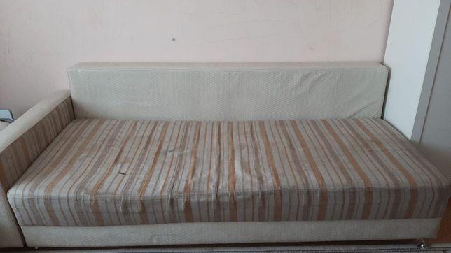 Продаем диван