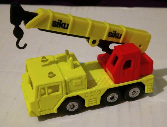 Перфектна жълта пожарна на Сику / Siku - без забележки! Оригинална!