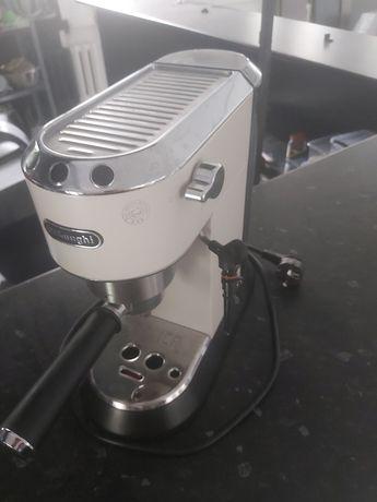 Кофемашнка Delonghi