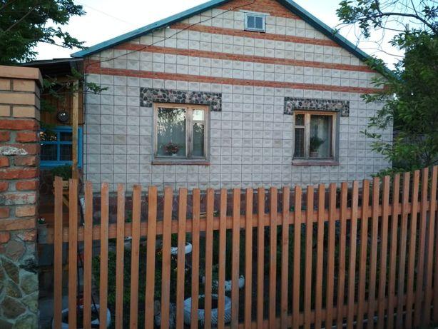 Продаю благоустроенный дом у озера