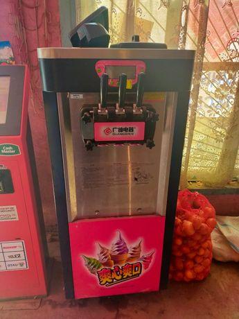 Продается мороженный аппарат