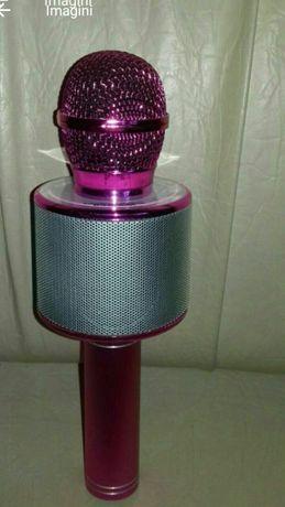 Vând Microfon Bloututh Karaoke preț 150 Lei