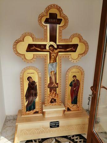 Cruce de altar, troita sculptata