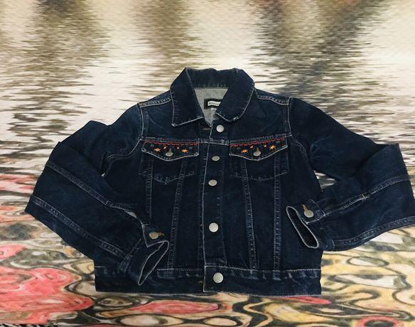 Продаётся джинсовая куртка