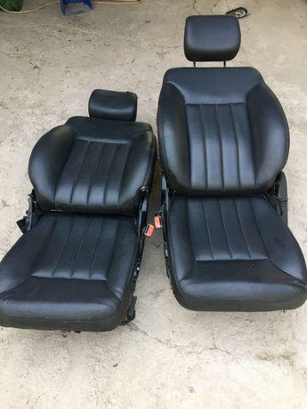 Сиденья передние плавающие для переделки от мерседес W164