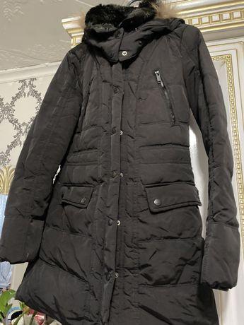 Продам зимнюю куртку от Colin's