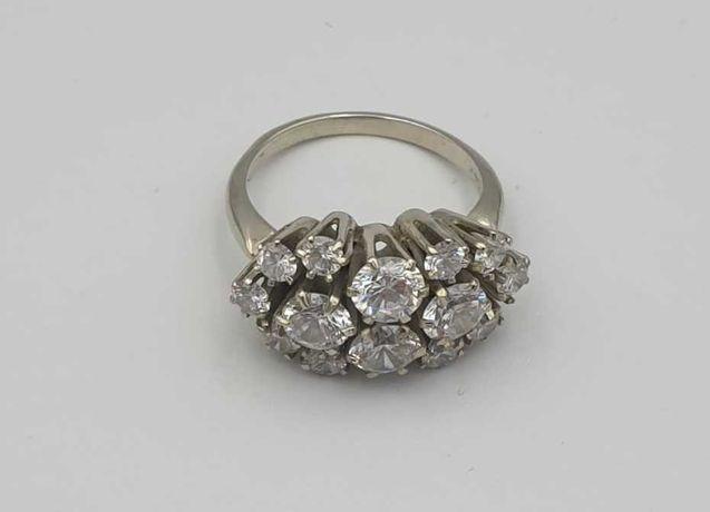 Vand inel aur alb cu  diamante