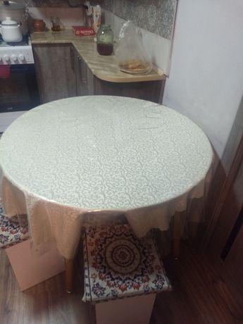 Продам срочно, круглые столы хорошем состояние.