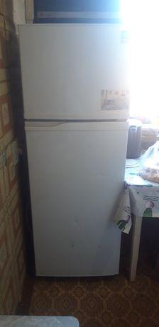 холодильник Самсунг рабочий