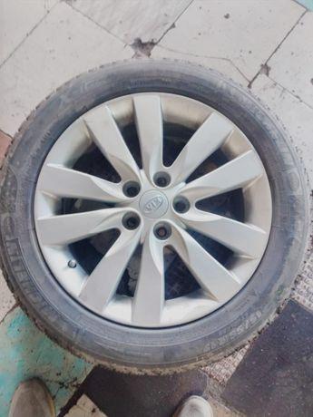Продам колеса вместе с диском. Размер 17
