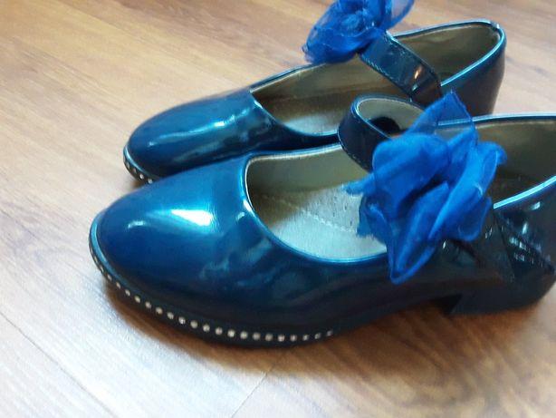 Школьные туфли 2000