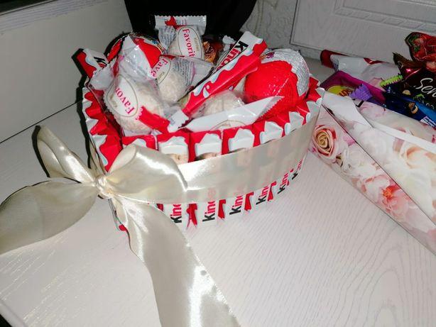 Букеты, киндер торт