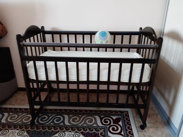 Продам кровать 60*120