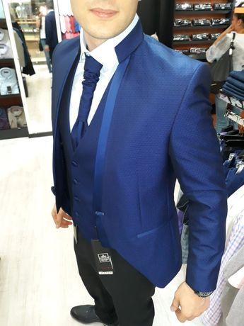 Мъжки костюм - Ивенти