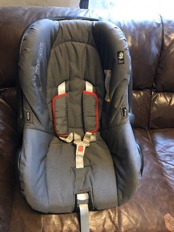 maxi cosi 0+ столче за кола
