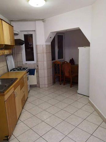 Chirie apartament 3 cam. Micro 16