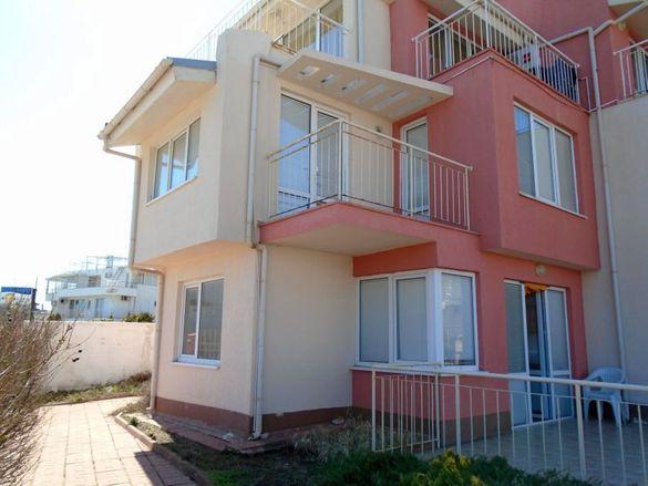 Апартамент с две спални, отделен вход и басейн до плажа гр. Созопол