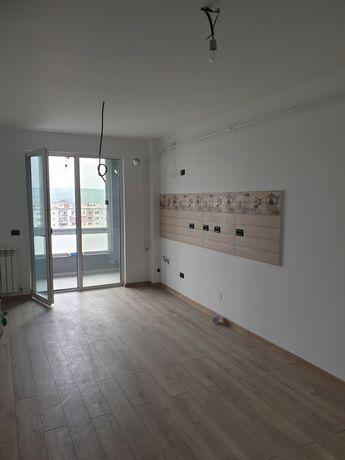 Apartament 4 camere Pacurari Cimitirul evreiesc Alpha Bank bloc nou