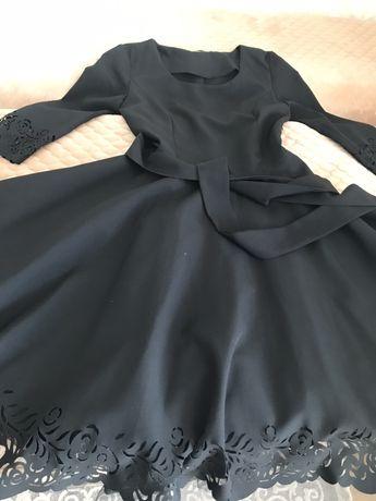 Платье на подростка 12-14 лет размер 42