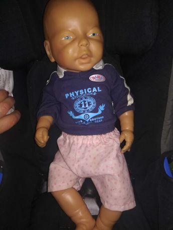 Реалистична кукла