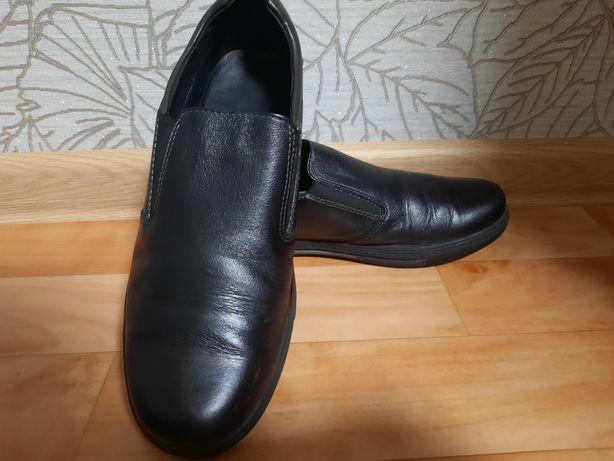 Кожаные осенние туфли для мальчика.
