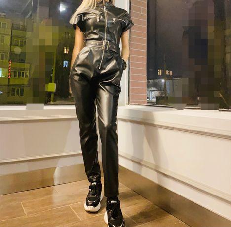 Кожаный комбинезон и кожаные юбки