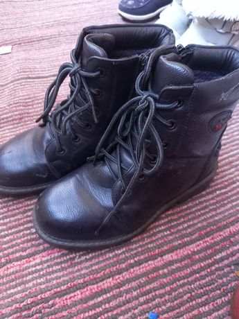 Отдам ботинки 36 р