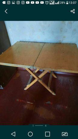 Продам стол раскаладной деревянный в хорошем состоянии