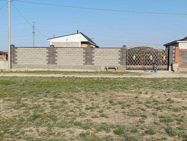 Продам дом 8 соток вода свет есть поселок Жаналык