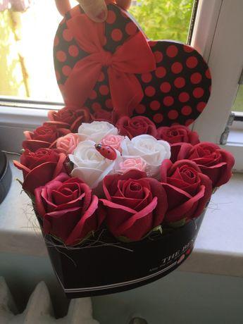 Ornamente trandafiri de săpun