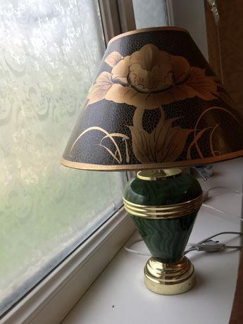 Продается настольная лампа