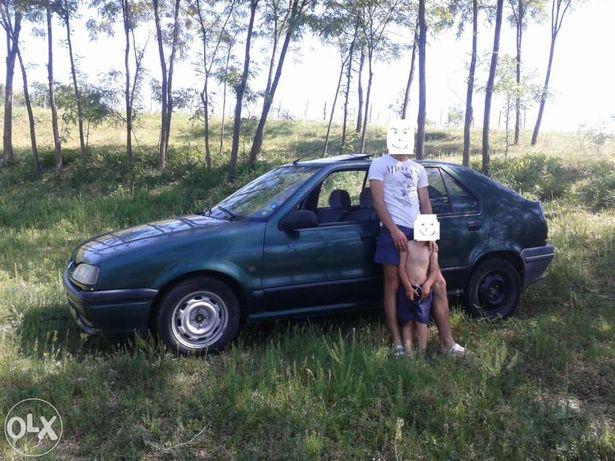 Dezmembrez -> Renault 19 chamade 1.8 S