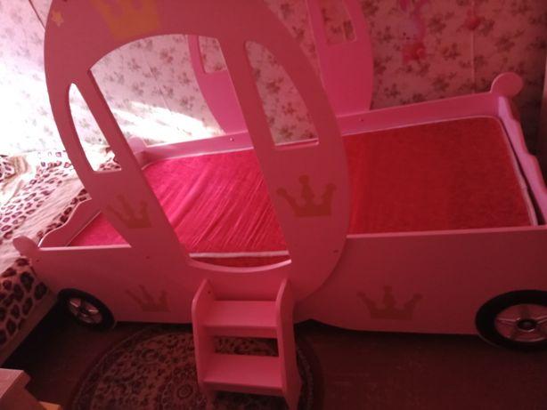 Кровать карета для принцессы