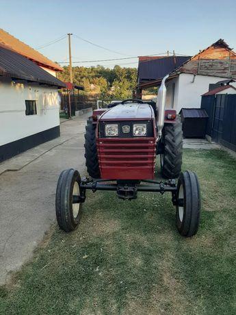Tractor utb 530(445)