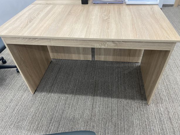 Продам офисные столы и кресла-стулья