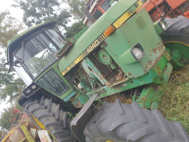 Piese tractor John deere 4240